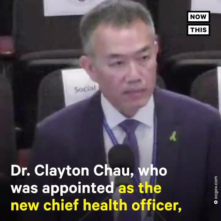 接任的Dr Clayton Chau堅持執行「戴口罩令」。網上圖片