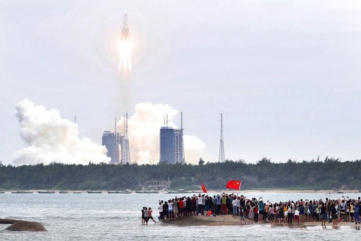 天和核心艙在文昌航太發射場升空。(AP圖片)