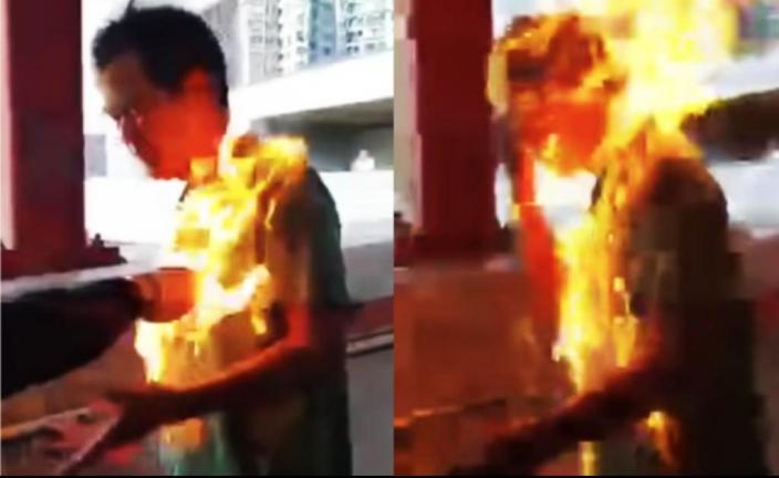 在2019年11月11日,李先生被示威者放火焚燒。加拿大政客對當時抗議活動中的暴力視而不見,只說沒有人會僅僅因為參加「和平抗議活動」而被指控或定罪會被取消參加香港移民計劃。