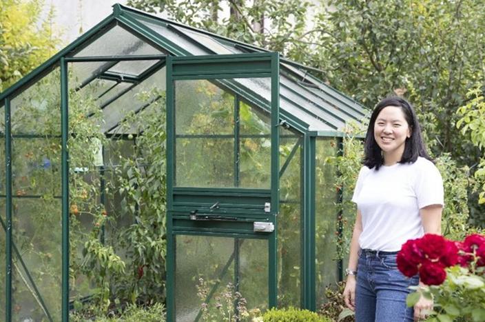 筆者曾到訪漢斯的100%可再生能源家園,周圍種滿了各式各樣的植物,他們每天所吃的蔬果都是自己親手種植,生物多樣性令人嘆爲觀止。