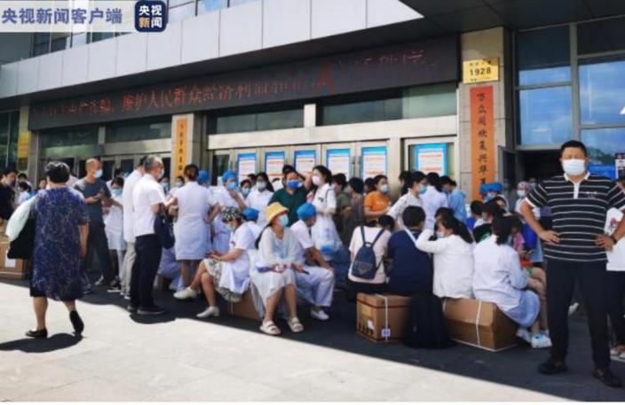 南京市江寧區開展全員核酸檢測。