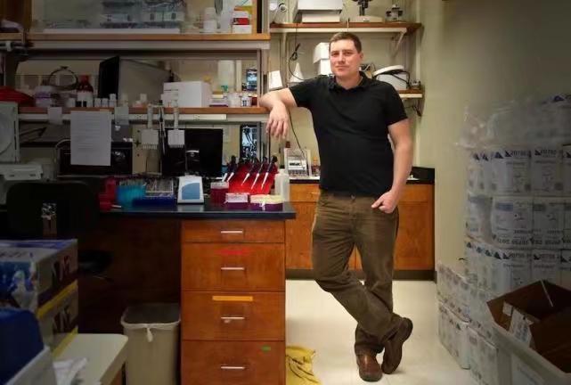 美國知名進化生物學家邁克爾·沃羅比。美國亞利桑那大學官網圖片