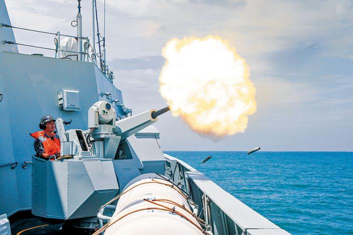Cierto destacamento de fragatas de la Marina del Teatro Oriental organizó un entrenamiento con fuego real a principios de agosto.
