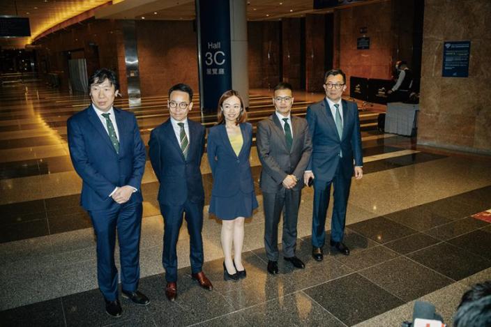 「專業派」五名參選人(左至右)陳國豪、傅嘉綿、黃巧欣、袁凱英、岑君毅全部當選。(堅雜誌)