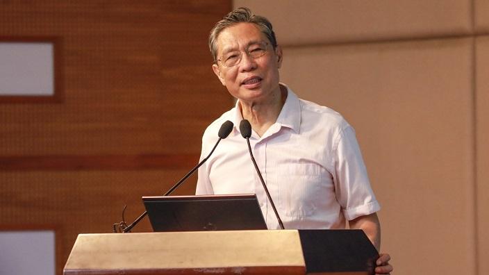 鍾南山團隊首次系統整合中國疫情管控策略。