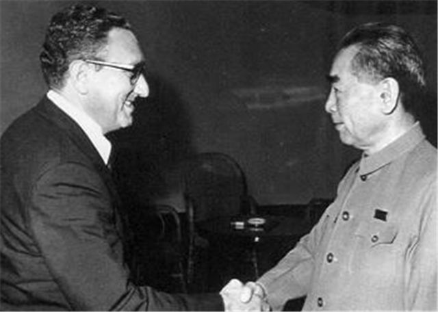 Outsiders describe Thornton's visit to China as similar to Kissinger's secret visit to China in 1971.
