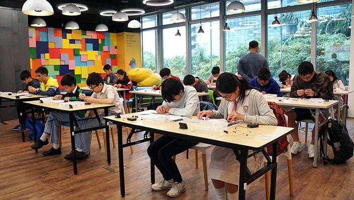 「IEEE 電子技能挑戰賽」約有70名中小學生參賽。