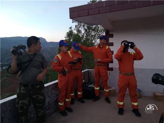 記者現場直擊丨南山一夜:北移象群在這裏徘徊多日