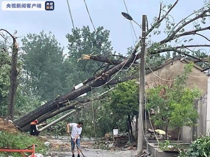 徐州銅山區兩鎮遭遇大雨、龍捲風襲擊 已致12人受傷