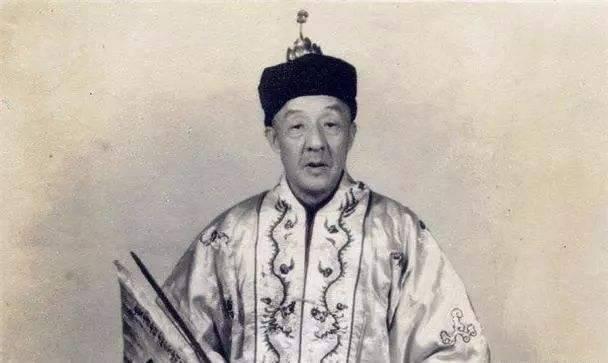 蔣介石逃往台灣,帶走的這三個人比黃金古董還重要