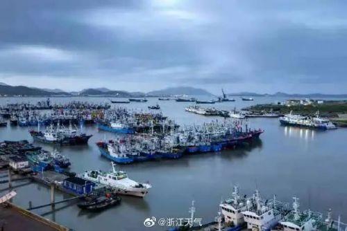 Ⅲ級應急響應!浙江沿海海面掀起巨浪…