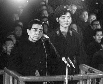 王光美與江青的恩恩怨怨 女人的嫉妒是導火索