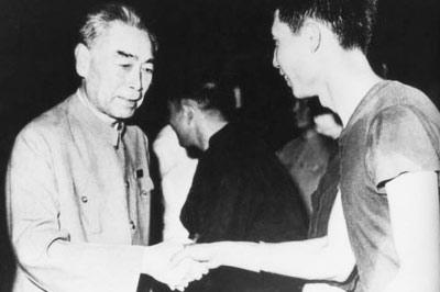 中國開國元勛們的足球情結 毛澤東當過守門員(圖)