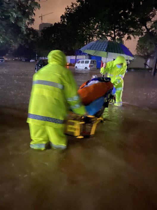 鄭州暴雨中讓大家牽掛的孕婦 孩子平安出世!