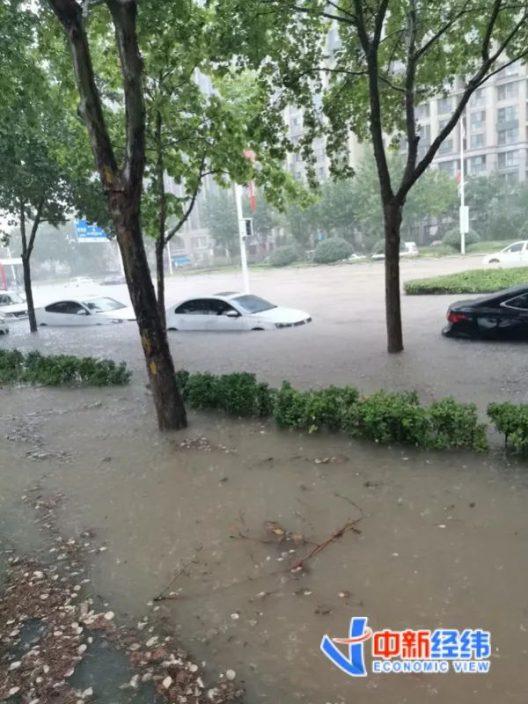 在鄭州親歷暴雨:回不去家、酒店爆滿