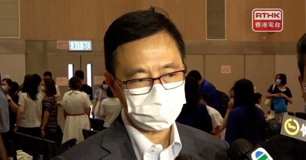 楊潤雄說,院校有責任在學校推廣國家安全教育。(盧紫菁攝)