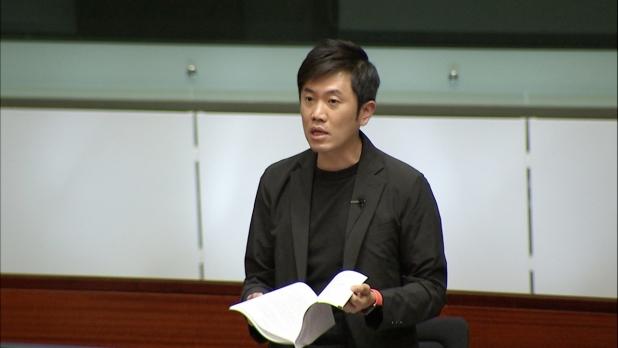 鄭松泰表示,屋宇署兩次被通知混凝土檢測數據未達要求,關注當局角色被動。