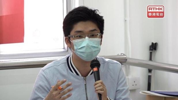 葉文斌說,分區委員有能力協助跟進市民個案,與政府聯絡。(港台圖片)