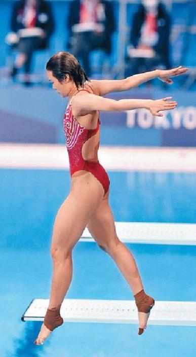 女子三米板跳水中國隊包辦金銀牌
