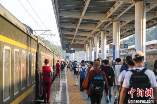 南鐵中秋小長假運輸啟動 預計發送旅客161萬人次
